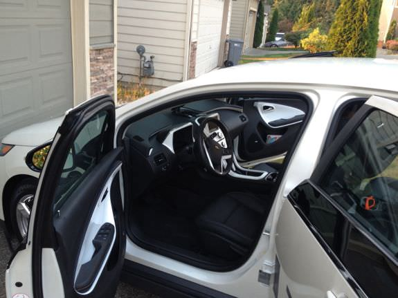 2013 Chevy Volt black and ceramic