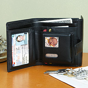 Women's Digital Photo Wallet