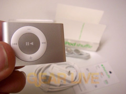 The iPod shuffle, Unboxed