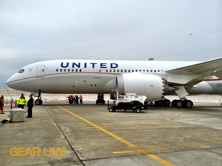 United 787 Dreamliner