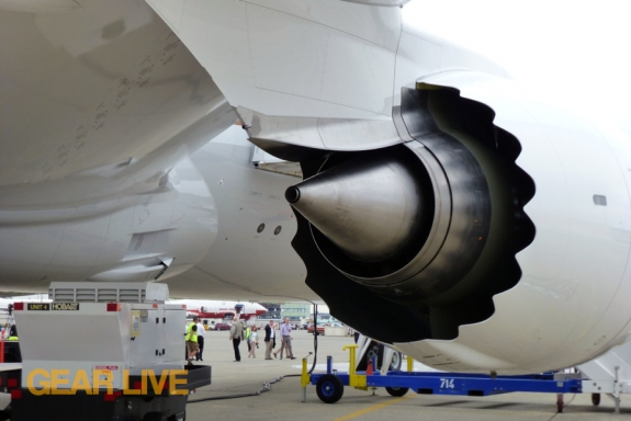 United Boeing 787 Dreamliner Jet Engine Rear