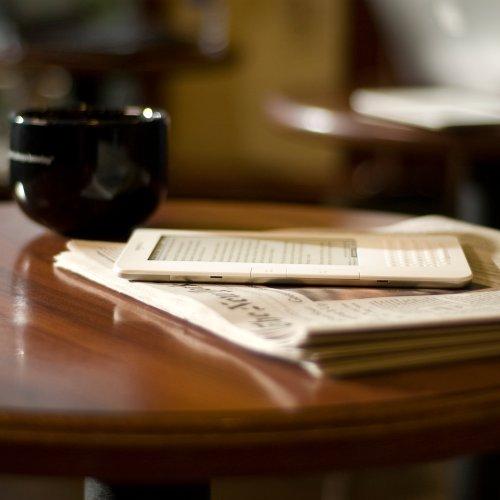 Amazon Kindle 2 coffeetable