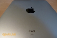 iPad: Aluminum back