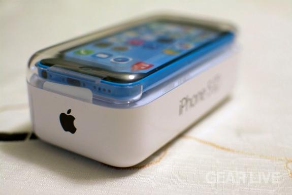 iPhone 5c bottom of box