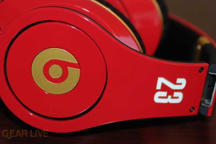 Beats by Dr. Dre Red LeBron James Customs side