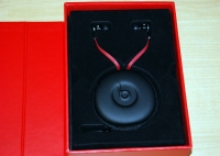 Beats by Dr. Dre Tour in box