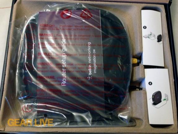Belkin AC1200 Dual Band Wireless AC Gigabit Router opened