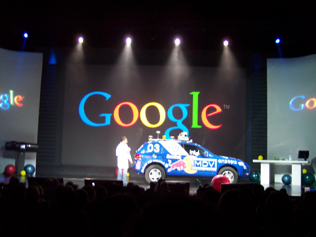 Larry Page Keynote Begins moblog1