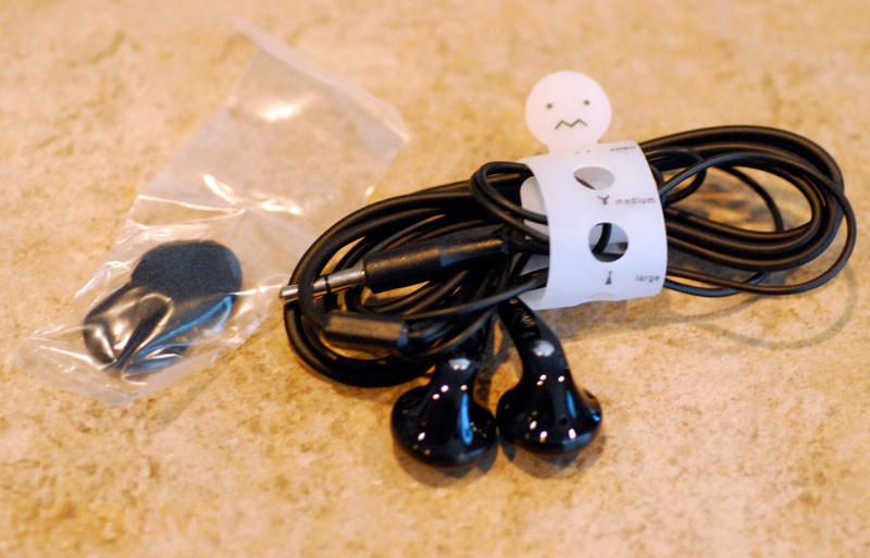 iriver clix Rhapsody Included Earbuds