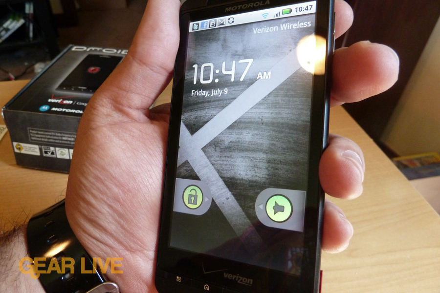 Motorola Droid X lock screen