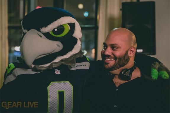 Seattle Seahawks Blitz with Andru Edwards