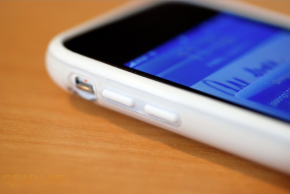 Griffin Reveal with iPhone 3GS from side