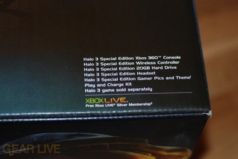 Bundled Pieces in Xbox 360 Halo 3 Special Edition