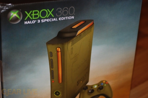 Xbox 360 Halo 3 Special Edition pictured on box
