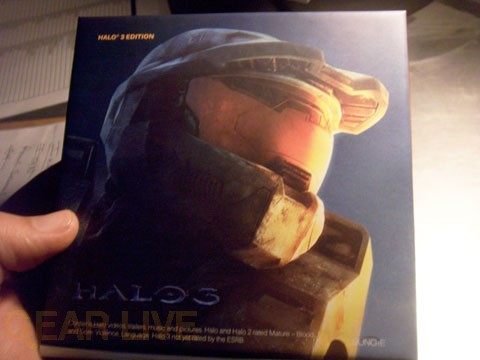 Halo 3 Edition Zune - Front of Box