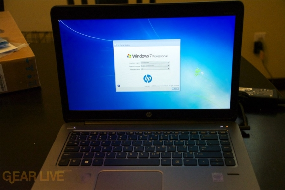 HP EliteBook Folio 1040 G1 powered on
