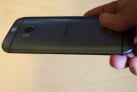 HTC One (M8) curved aluminum