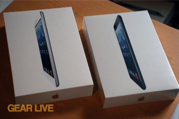 White and black iPad mini boxes