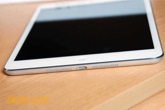 iPad mini Lightning port