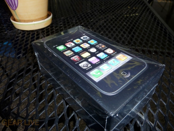 iPhone 3G S box