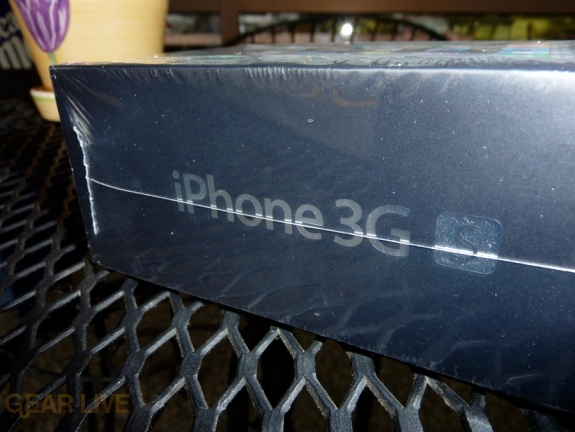 iPhone 3G S logo on box