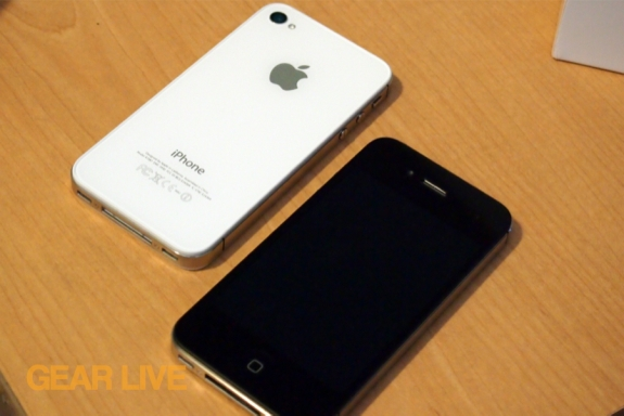 iPhone 4S: White back, black front