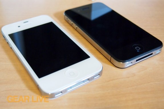 White and black iPhone 4S