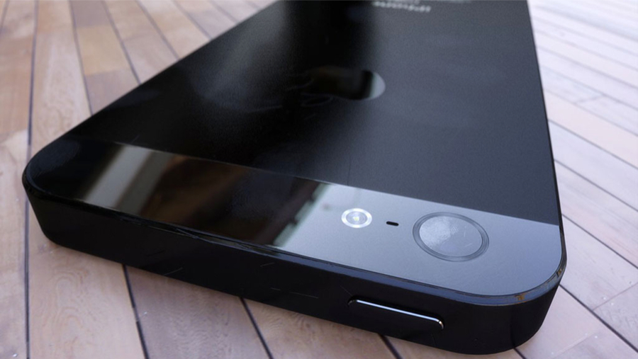 Black iPhone 5 camera 3D render