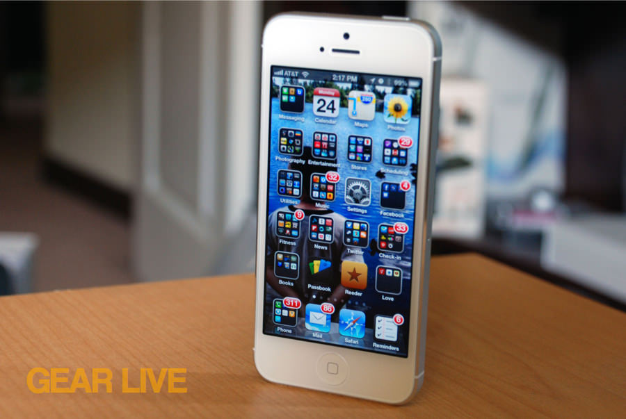 iPhone 5 White & Silver standing center