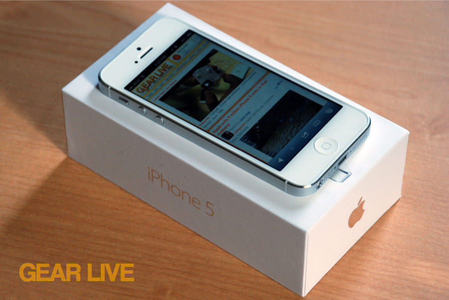iPhone 5 White & Silver on top of box side