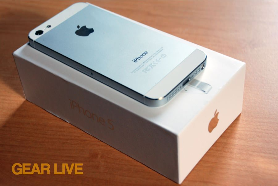 iPhone 5 White & Silver aluminum rear