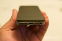 iPhone 5s Space Gray Lightning port