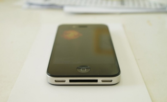 iPhone HD bottom