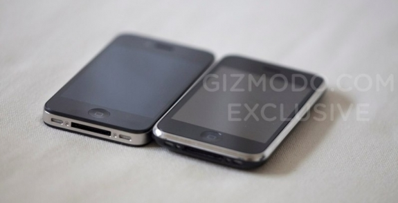 iPhone HD and iPhone 3GS side-by-side