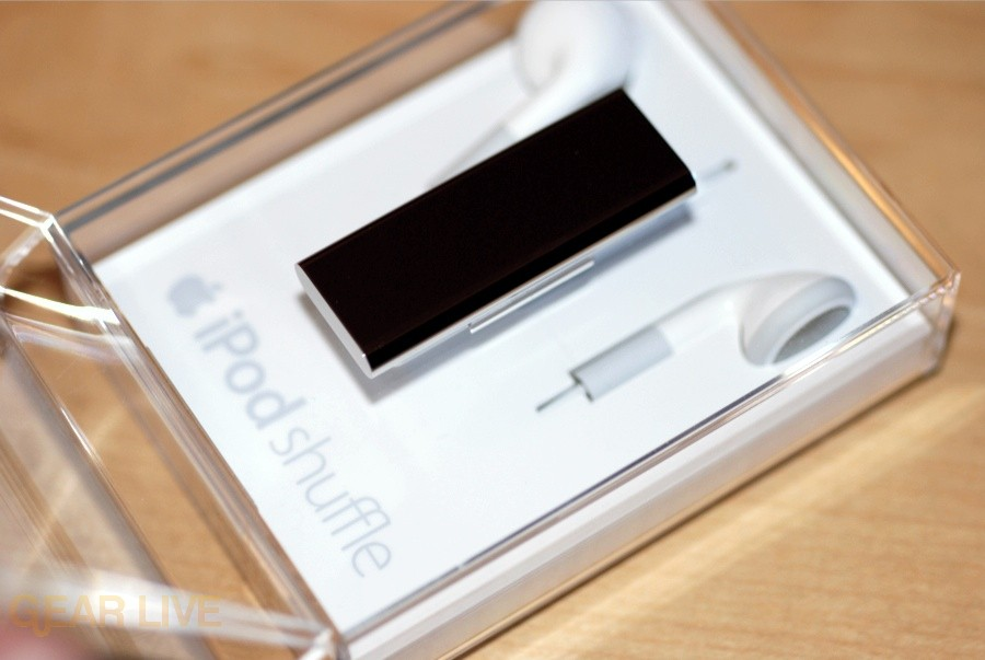 iPod shuffle Special Edition open case
