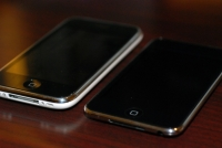 iPod touch 2G vs iPhone 3G diag