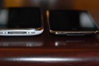 iPod touch 2G vs iPhone 3G bottom