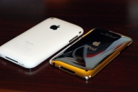 iPod touch 2G vs iPhone 3G : Back