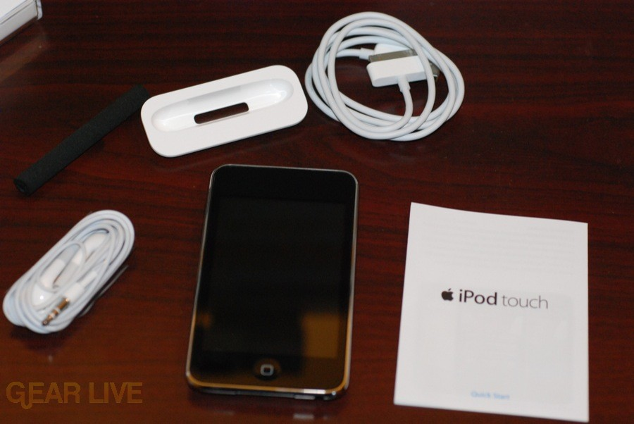 iPod touch 2G unboxed