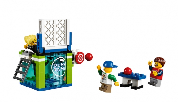 LEGO Fairground Mixer 10244 - Minifigs with Dunk Tank