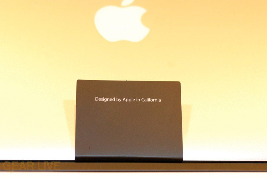 MacBook 2008 Designed By Apple