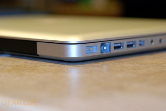 MacBook 2008 is thin