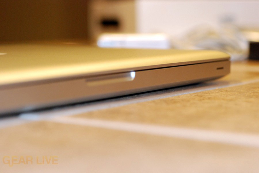 MacBook 2008 magnetic enclosure