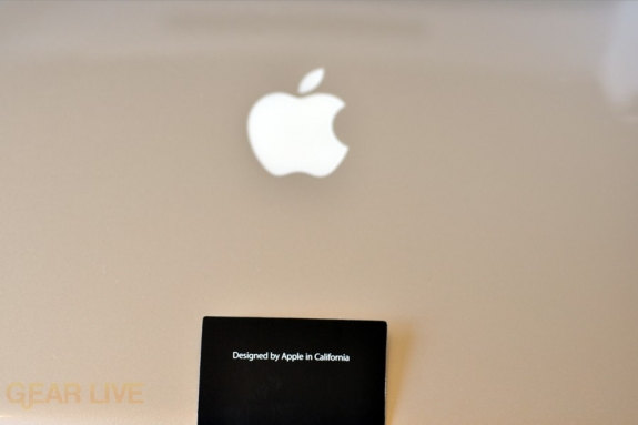 MacBook Pro 2009: Made by Apple