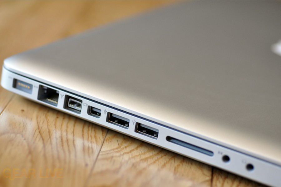 MacBook Pro 2009 I/O side, SD slot