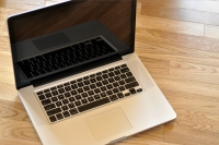 MacBook Pro 2009 open