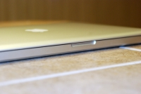 MacBook Pro 2008 magnetic closure