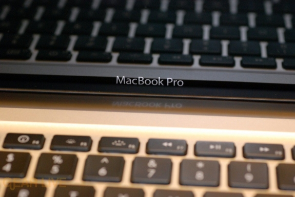 MacBook Pro 2008 logo