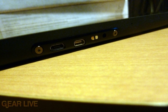Motorola Xoom USB ports