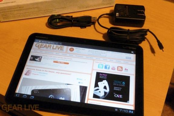 Motorola Xoom unboxed
